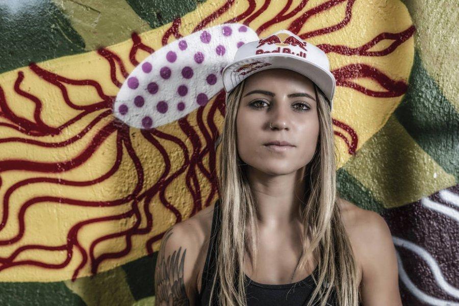 Leticia Bufoni conquista o mundo em cima do skate e sonha alto