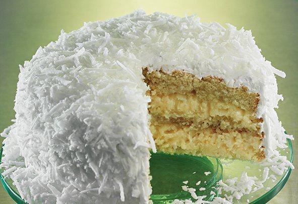 Bolo Marshmallow com coco