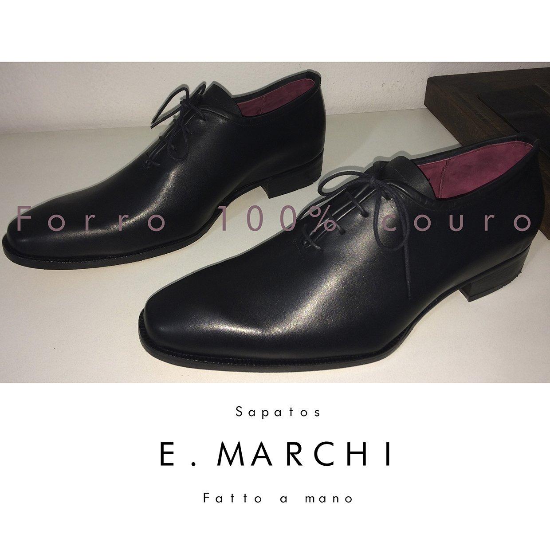 Sapatos de couro feitos a mão no estilo classico italiano, com forro interno e sola 100% em couro