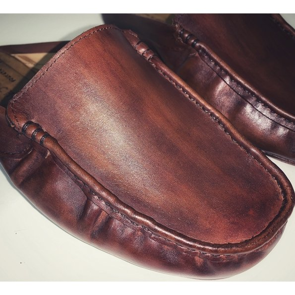 Chinelos e Sandálias fabricadas artesanalmente em Couro Premium feito a mão