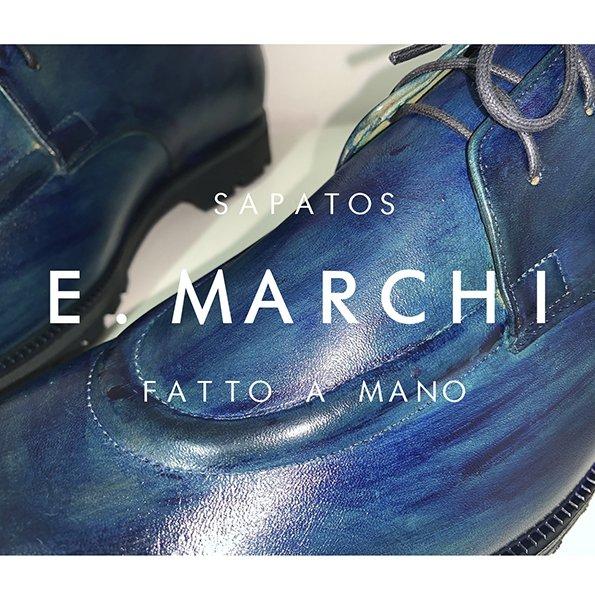 Sapato Derby fabricado artesanalmente com pintura em patina cor azul feita a mão
