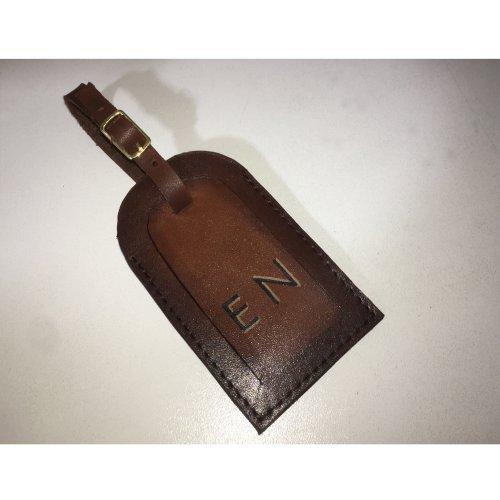 Tag de Mala com pintura em patina e iniciais personalizadas pintadas à mão E. MARCHI