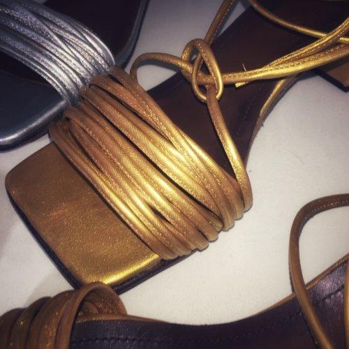 Sandália Vênus Square E. MARCHI cor Dourado