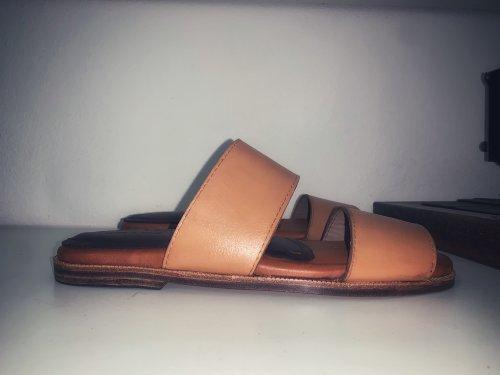 Chinelo Veneza E. Marchi Sandals cor Caramelo
