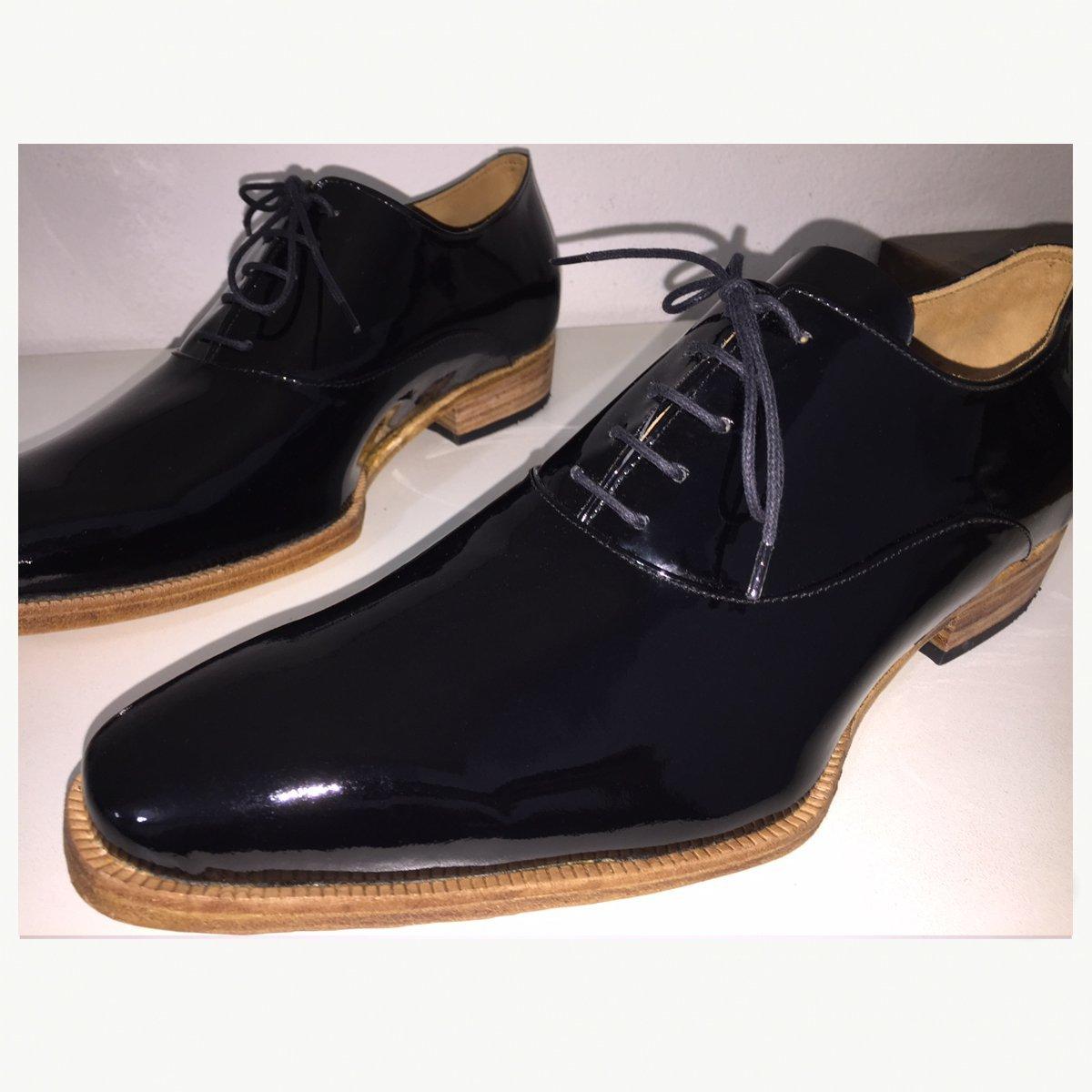 2ac420a8d Sapato Social Oxford em Couro Verniz Preto | E. Marchi.