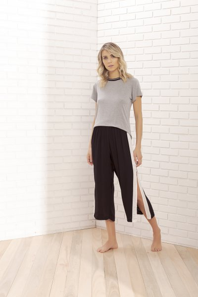 Pijama Manga Curta com Calça Pantacourt - 11055