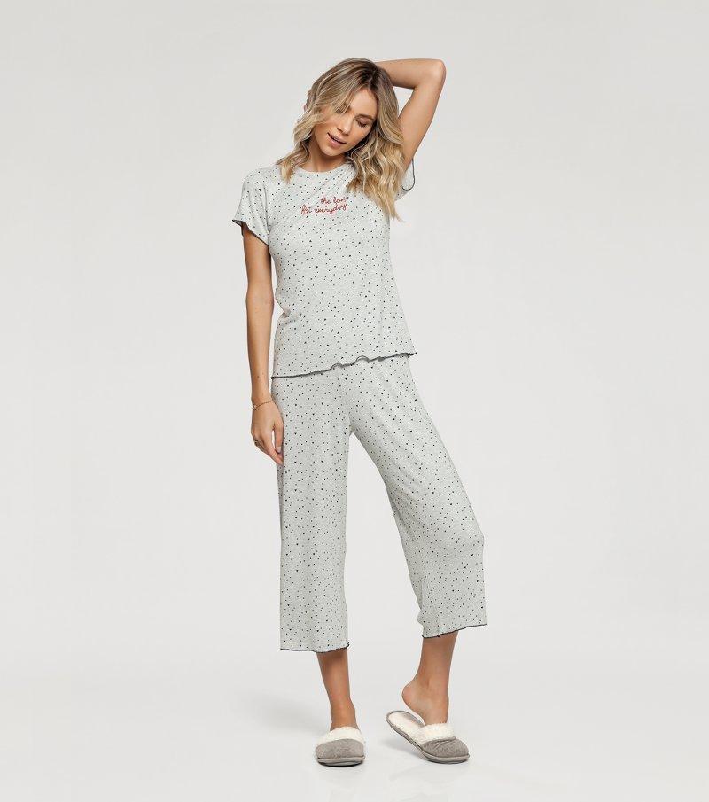 Pijama Manga Curta com Calça Pantacourt - 10947