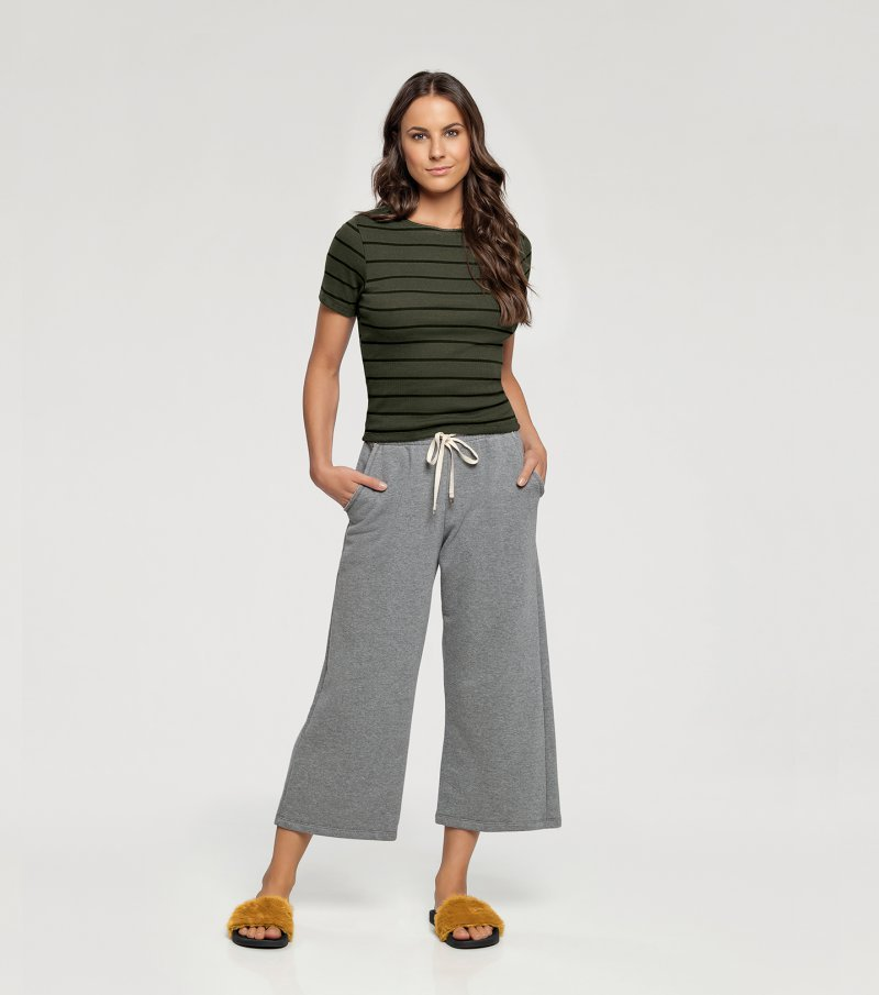 Pijama Manga Curta com Calça Pantacourt - 10987