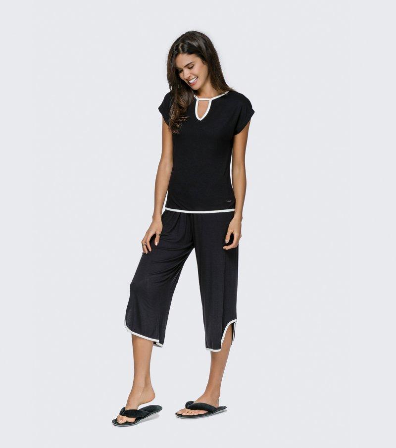 Pijama Manga Curta com Calça Pantacourt - 12051